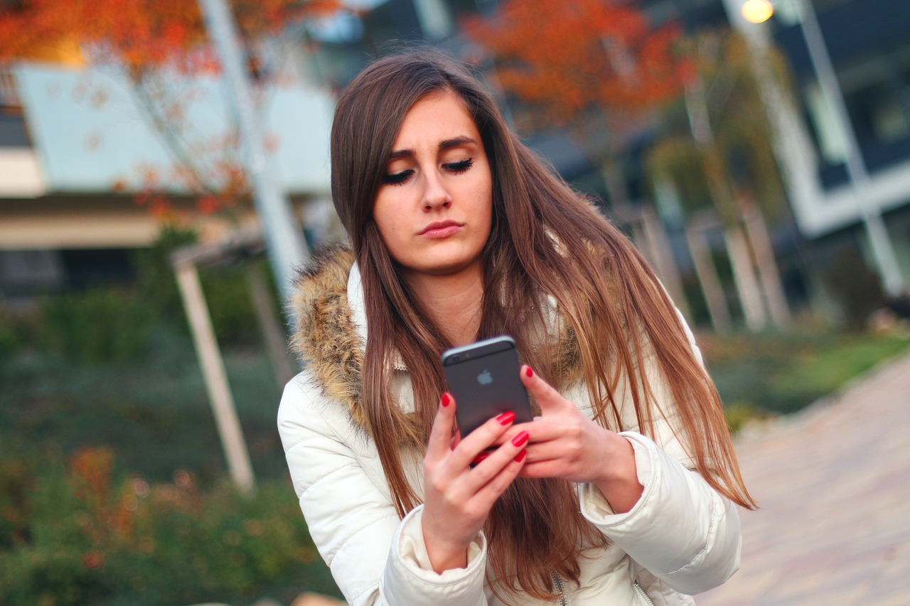 8 Steps To Stop Your Child's Cyberbully